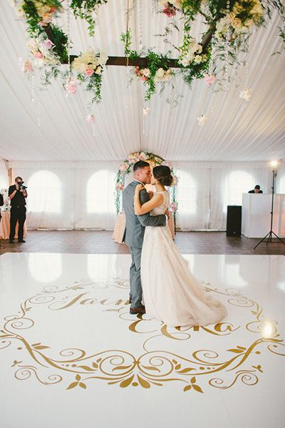 Add a pretty monogrammed decal to your dance floor. | Zelo Photography