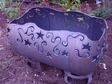 Made out of a propane tank,  this amazing piece of art work is the best decor for your garden and can also be used as a container for storing things or planting perennial plants. Besides being an artistic decor or a container, with its every use, you can contribute towards the environment.