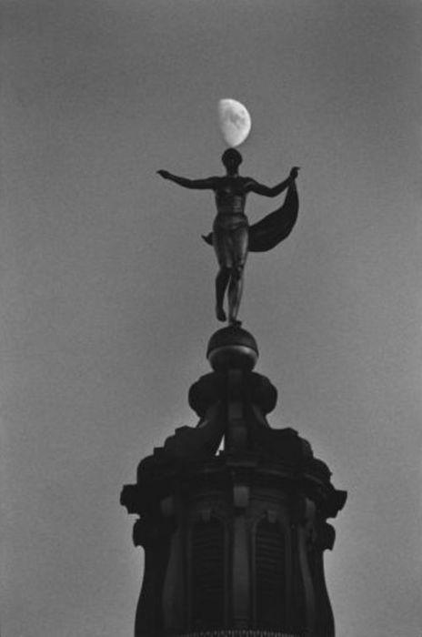 Photo by Elliott Erwitt - Berlin, 1995.