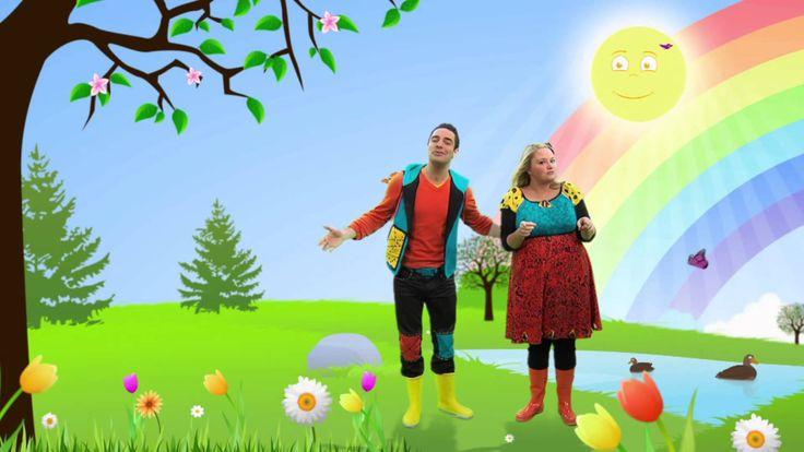 Louis et Josée chantent la chanson du printemps. (Vous pouvez lire les paroles sur YouTube en écoutant la chanson).