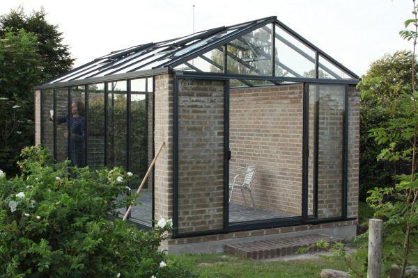 """Modern Scandinavian greenhouse / """"drivhus"""""""