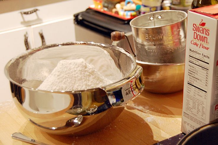Here's How You Can Sift Flour Without a Sifter