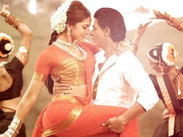 Deepika's hair w/ gajra - Chennai Express movie stills
