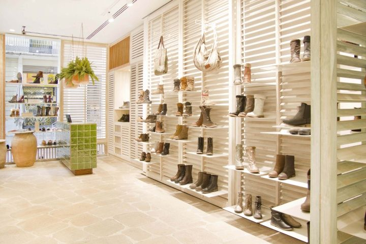 Ulanka Shoe Store by CuldeSac, Valencia - Spain