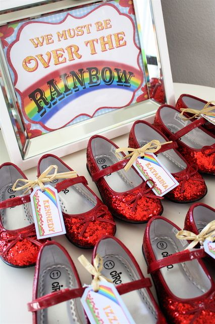 Ruby red slippers from a Wizard of Oz party #wizardofoz #partyfavors