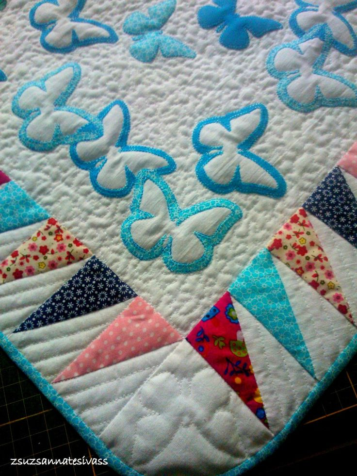 Baby quilt with butterfiles