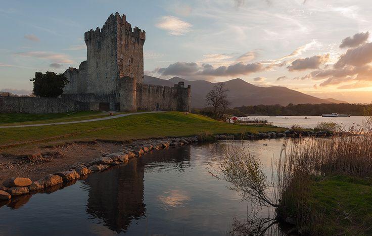 Замок Росс, Килларни, графство Керри, Ирландия.  Кадр можно сказать случайный. Поэтому без подготовки и фильтров, съемка с рук.