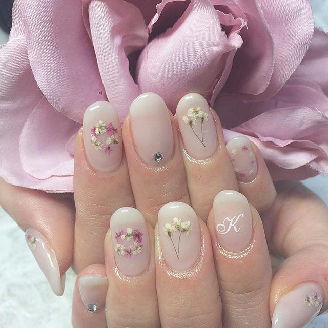 あみちゃん久しぶり いつもありがとう 押し花ネイルが ツボすぎる。 #押し花ネイル #花 #押花 #ネイル #ネイルアート #ジェルネイル #fashion #art #flower #instagood #webstagram #like4like #love