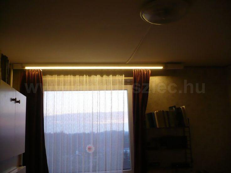 LED szalag kiegészítő világítás alu profilra ragasztva.  Függönyvilágítás, karnisvilágítás - nappal az ablakon árad be a természetes fény, éjjel pedig fel lehet kapcsolni a rejtett világítást! :)