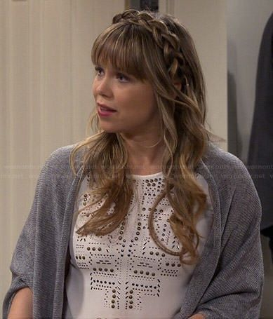 Kristin's white studded top on Last Man Standing. Outfit Details: http://wornontv.net/42211/ #LastManStanding