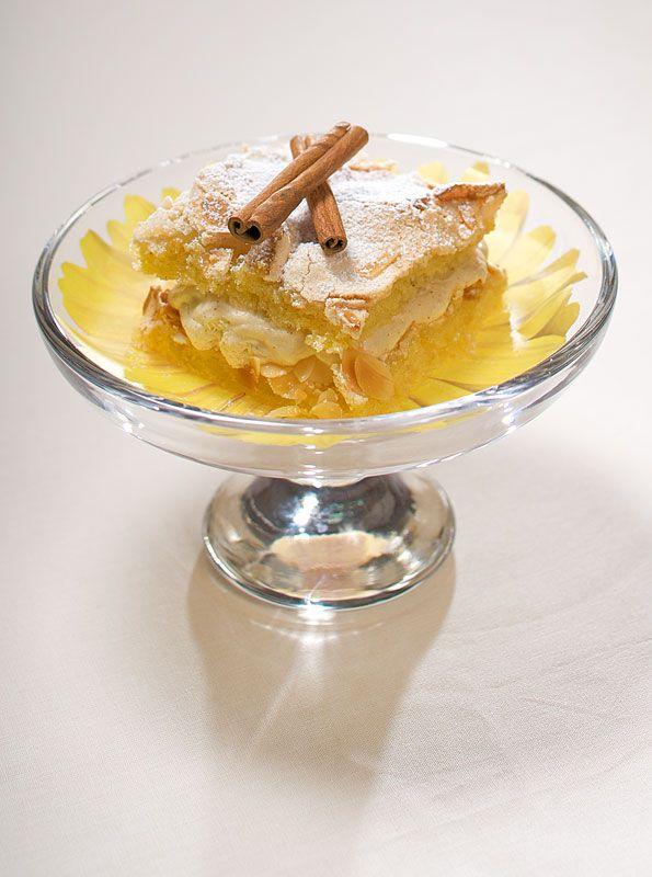 #Britatorttu on jokaisen omenatarhurin herkkua. Klikkaa ja katso #resepti: http://www.dansukker.fi/fi/resepteja/omenatarhurin-britatorttu.aspx