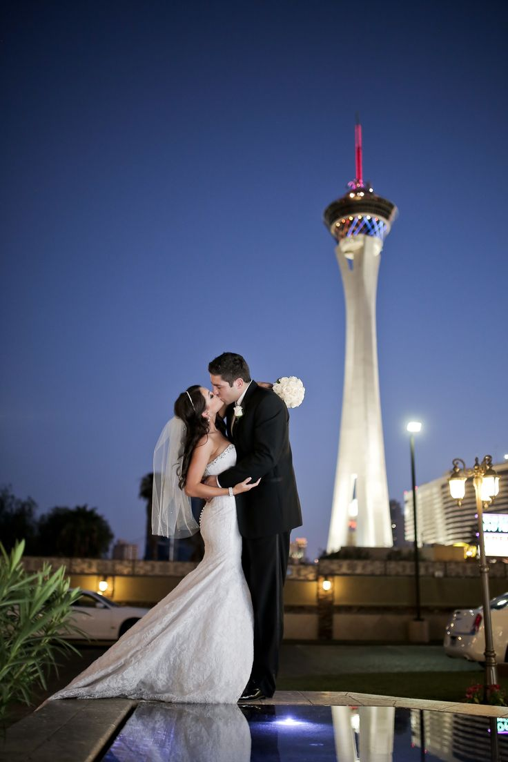 Las Vegas Wedding Venues With A View Chapel Of The Flowers Overlooks