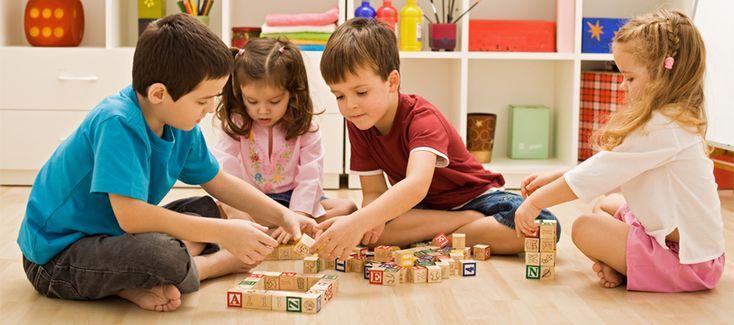 Игрушки для новорожденных и малышей первого года жизни. Интерактивные и обучающие игрушки. Игровые комплексы для мальчиков и девочек разного возраста.
