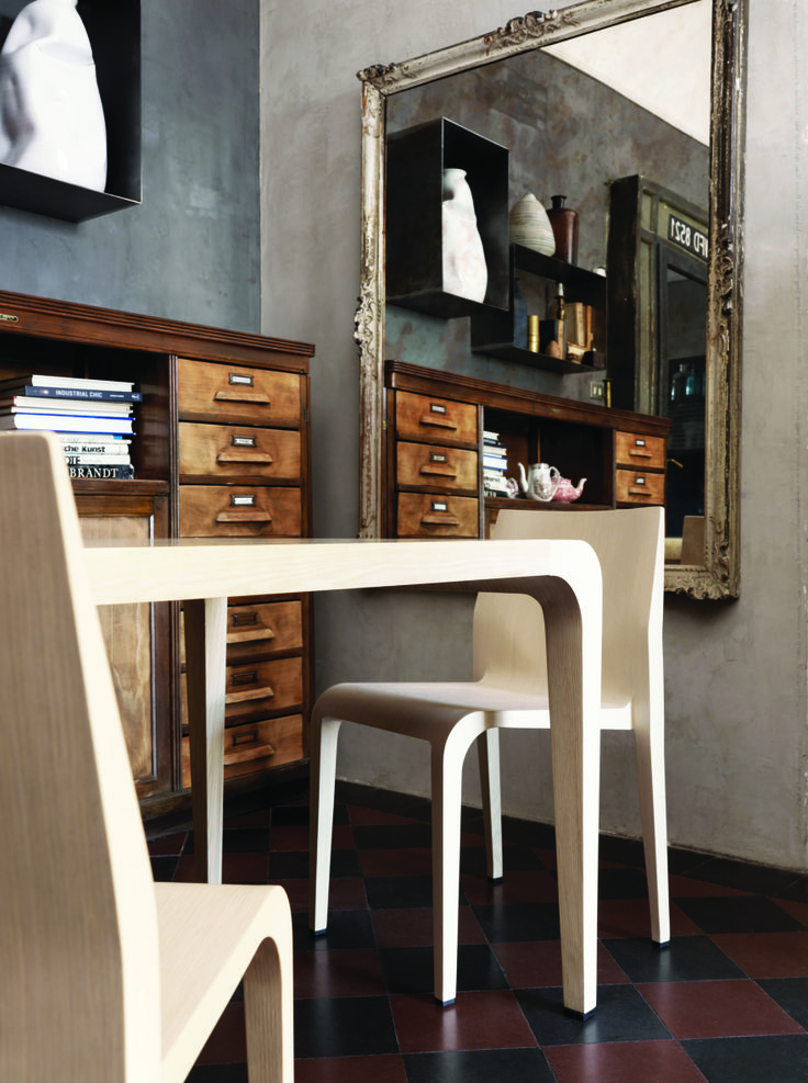 Old & Modern style combination. The Alias Lalegerra dining chair in natural oak