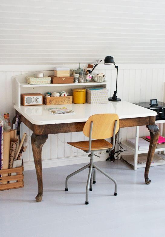 enameled desk: Ideas, Offices Spaces, Interiors, Old Tables, Work Spaces, Work Desks, Workspaces, Design, Desks Spaces