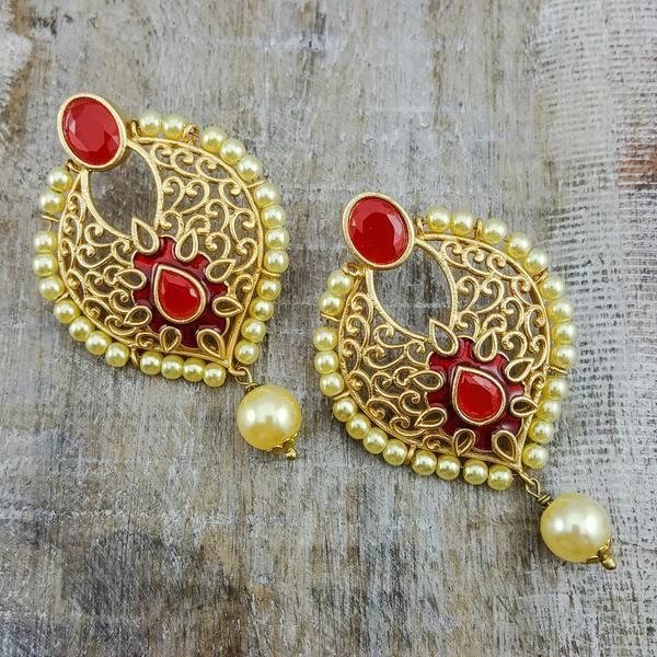 Jha - A curved golden design makes these beautiful lattice earrings all the more intriguing. With red stone accents and champagne pearl details added for even more flair.