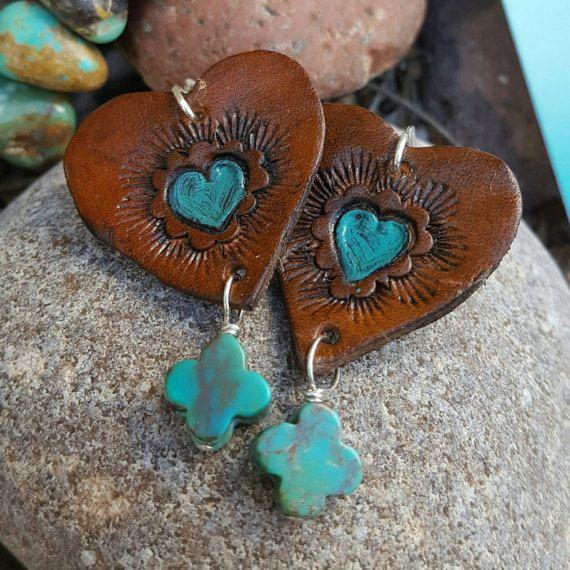 Aretes de corazón  mano-fileteado pendientes de cuero