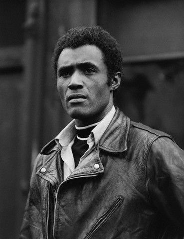 Gorgeous, Bahamian-born Calvin Lockhart, in the 1970 film, Leo the Last.-->I crushed on him hard in Uptown Saturday Night and Let's Do It Again (via Vintage Black Glamour)