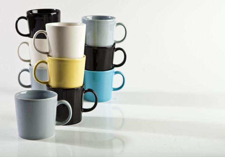 Kahvimukit yleistyivät Suomessa vasta 1990-luvulla. Nykyään muki kädessä ollaan kotona töissä ja kadulla – ja mukilla halutaan tuoda esille omaa persoonaa. Kahvikupeilla korostetaan juhlavuutta kotona ja työelämässä sekä kunnioitetaan vanhempia vieraita.