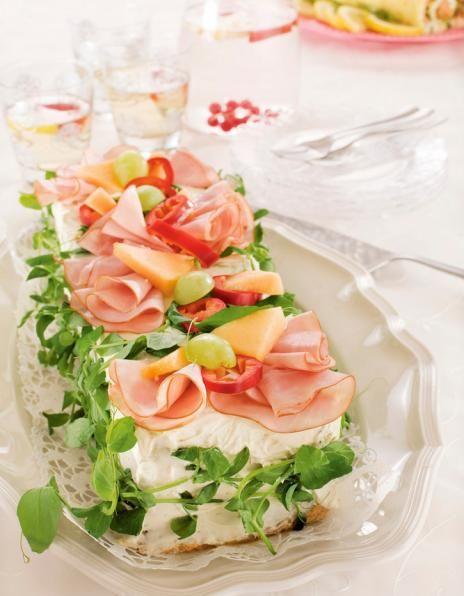 Kinkku-melonivoileipäkakku | K-Ruoka #leipä