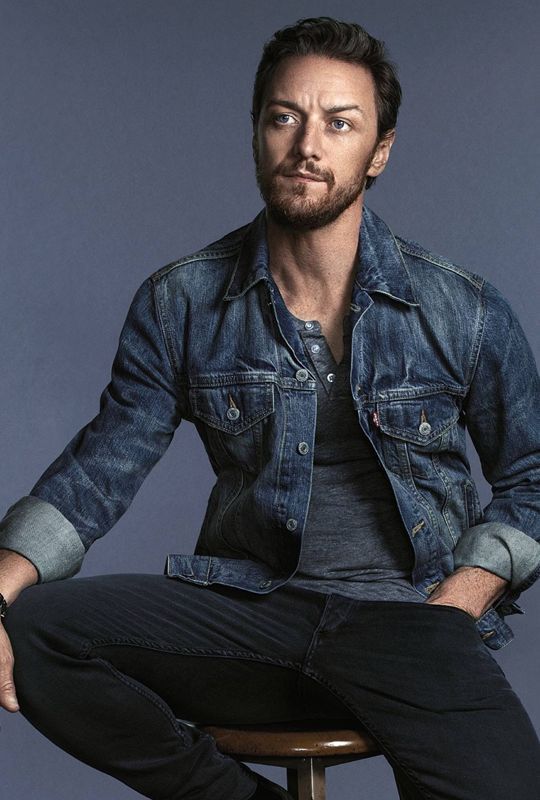 James McAvoy My God!!! Why is he so damn sexy!!!