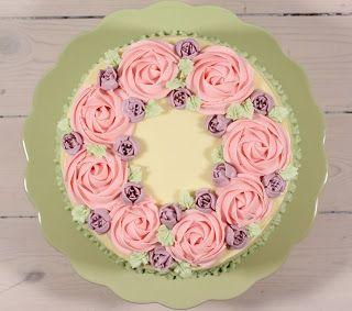 Cake By Mary: Valborgstårta - tårta med passionsfrukt & hallon