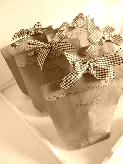 (A través de CASA REINAL) >>>>  Duni's Studio: Kraft Paper Gift Bags - Tutorial