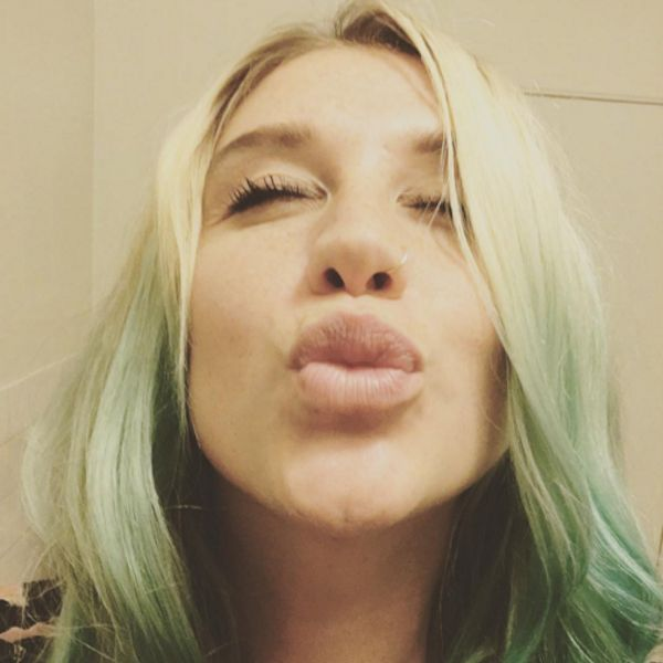 "Kesha Tells Body Shamers To ""F*ck Off""  - http://oceanup.com/2016/03/29/kesha-tells-body-shamers-to-fck-off/"