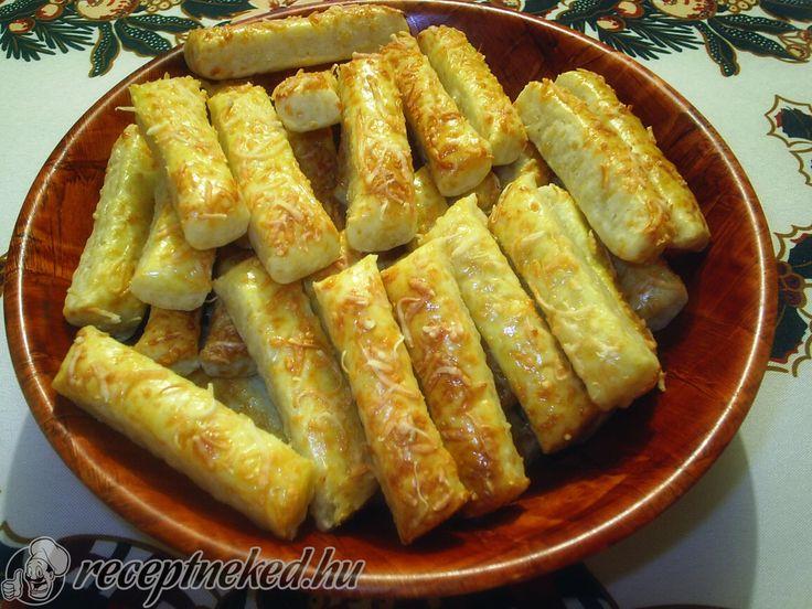 A legjobb Sajtos rúd recept fotóval egyenesen a Receptneked.hu gyűjteményéből. Küldte: Barna Pap Monika