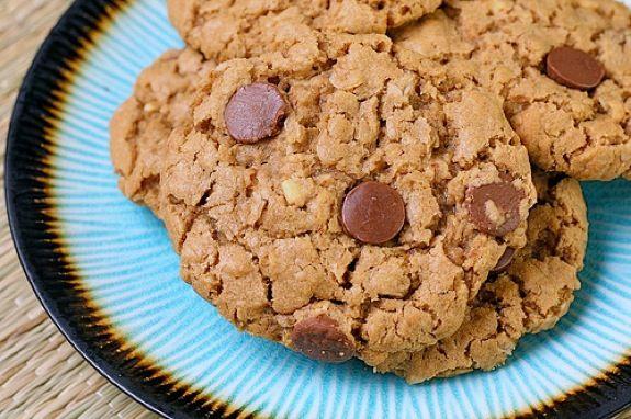 Peanut Butter Oatmeal Cookies on twopeasandtheirpod.com #cookies