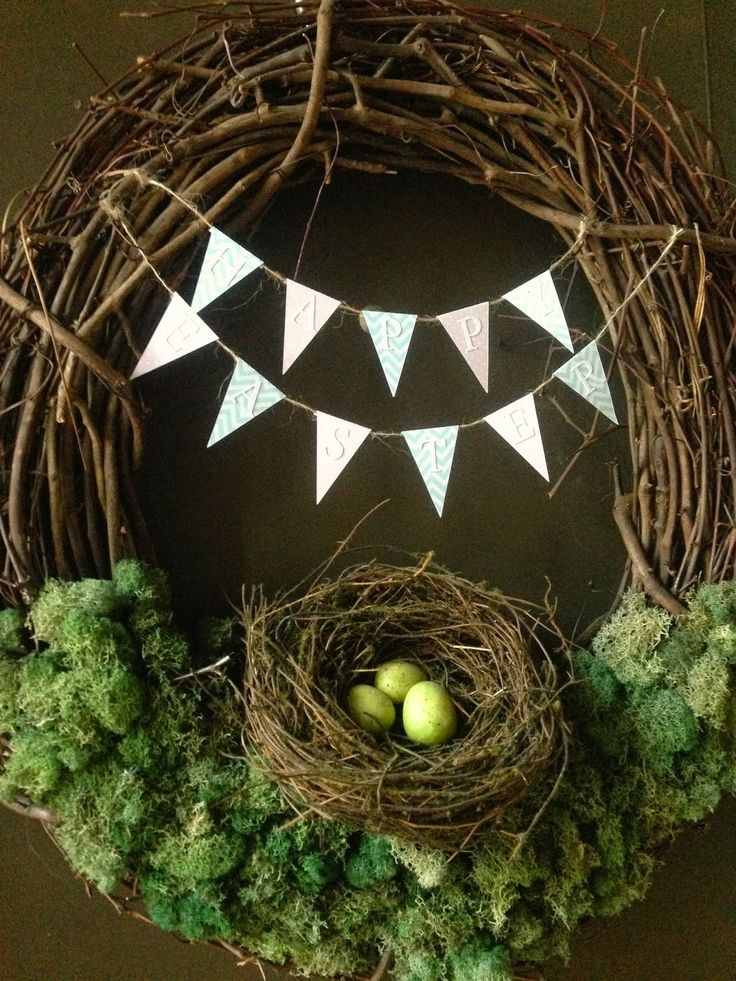 DIY Easter wreath with bunting.