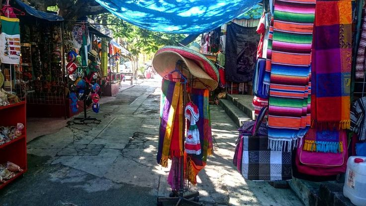 Mexican market 28 #beauty#beautiful #nature #igers #vsco #vscocam #followme #girl #traveling #traveler #sky #ilovetravel #caribean #caribeansea #cancun #mexico #Summer #greatdecember #vacation #market #wanderlust #мексика #канкун #colourful by alinkahgr