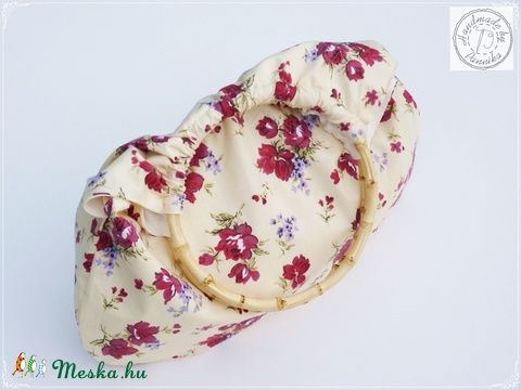 Meska -  Gyönyörű virágos, bambuszfülű táska pannika kézművestől