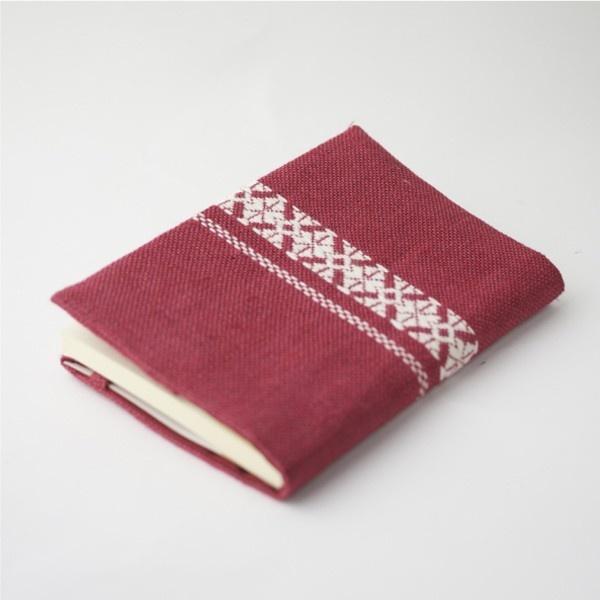 book cover of kogin pattern@こぎん刺し ブックカバー ピンク ハンドメイド作品の購入・販売 iichi