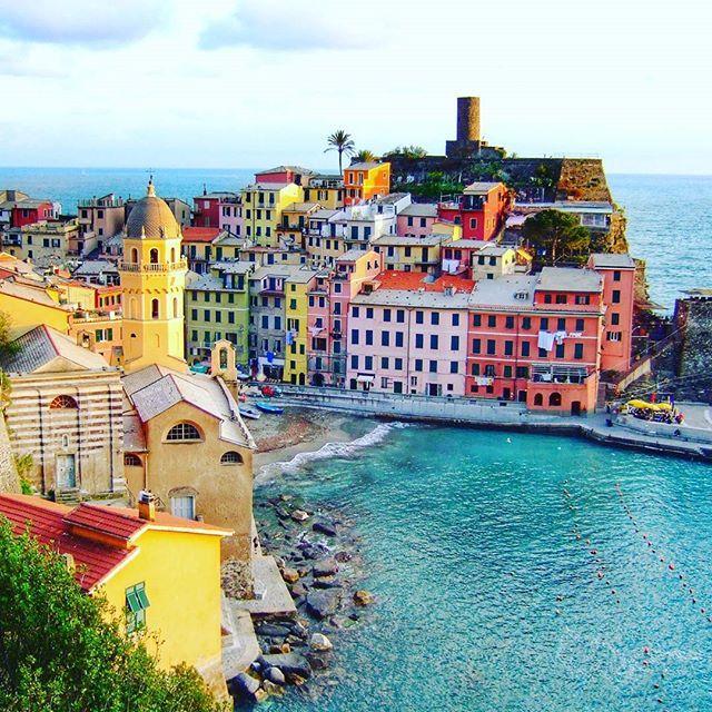 """Traveling – it leaves you speechless, then turns you into a storyteller."" – Ibn Battuta . . . . . . . . . #cinqueterre #italy #familytravel #italia #yallersitalia  #sharetravelpics #globalstorybook #Weekendexplorer #Classroomworldwide #travelwithus #visititaly  #ig_italia #ig_europe #italian_places #italian_trips #igworldclub #wanderlust #exploremore  #traveldeeper  #letsgoeverywhere  #italiainvacanza #hdr_europe #total_europe #igs_europe #worldcaptures #europe_gallery  #loves_europe…"