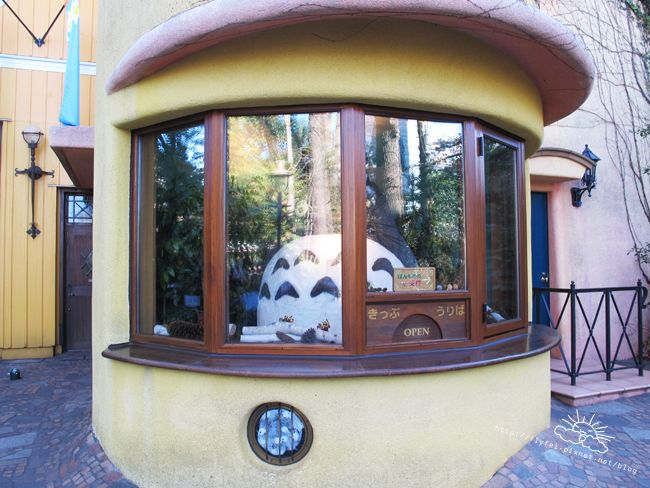 三鷹吉卜力美術館(宮崎駿) 《龍貓》代表。