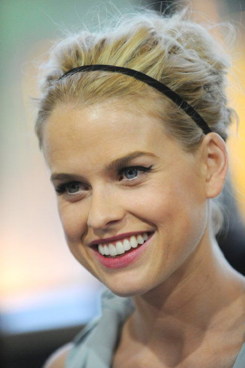 Alice Eve at event of To koraki (2012)