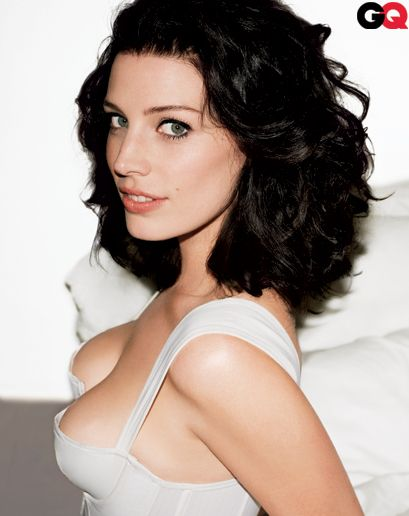 Jessica Pare: excellent taste in music, speaks french, and GETS TO KISS JOHN HAMM FOR MONEY. Yep, safe to say she is the coolest.