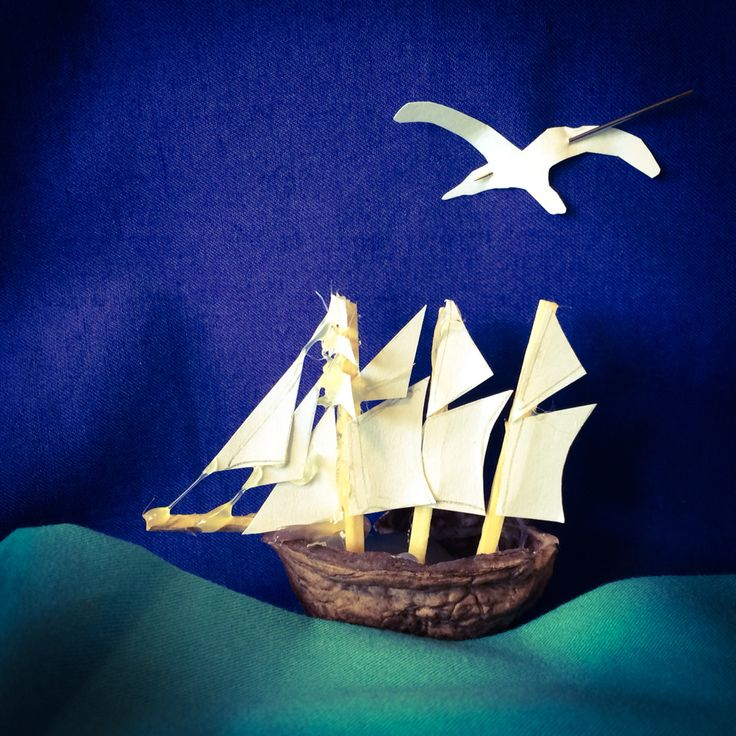 Wallnutshell ship. Ida Exner. 2015