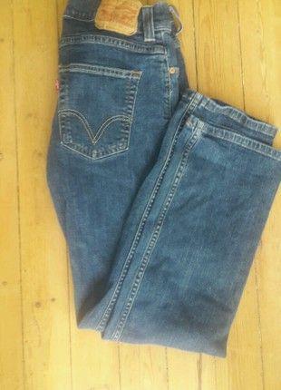 À vendre sur #vintedfrance ! http://www.vinted.fr/mode-hommes/jeans-coupe-droite/46068788-jean-levis-506-coupe-droite-bleu-fonce