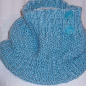 cea730e8fc09 Echarpe snood tour de cou laine bleu ciel tricoté à la main aux aiguilles