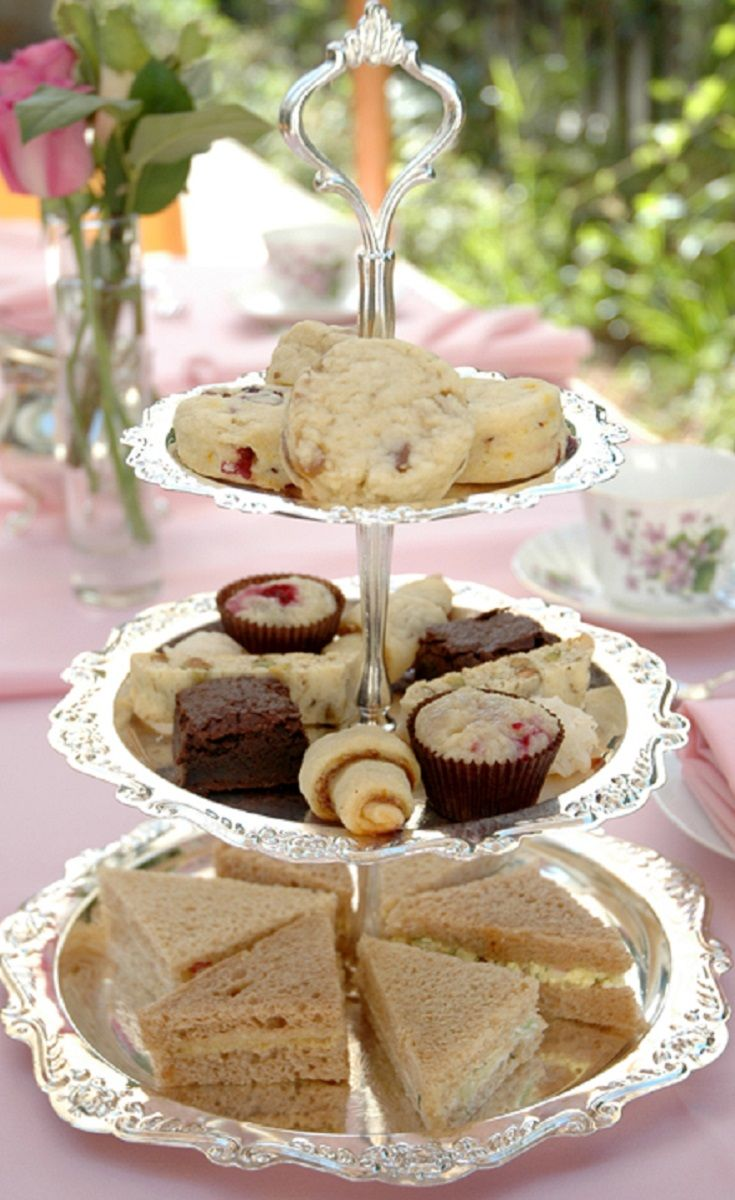 Plan HIGH TEA PARTIES for residents