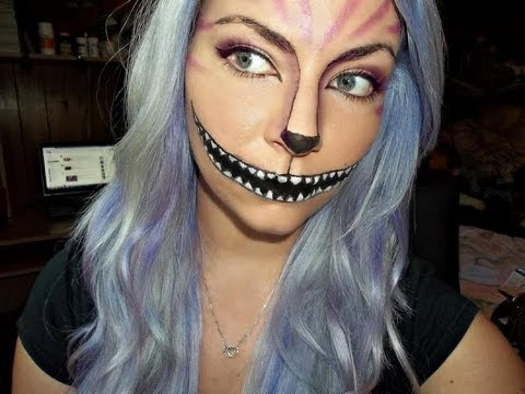scary queen of hearts makeup  Google Search Holidays - Scary Cat Makeup
