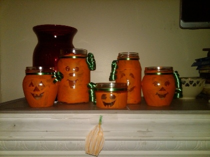 non scary halloween crafts- perfect for a fall festival!: Kid
