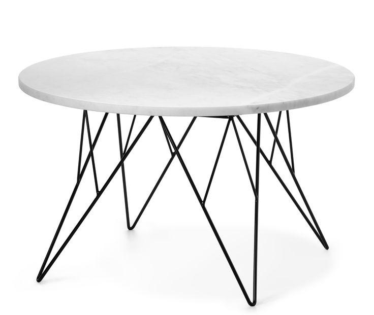 Livia är ett trendigt soffbord med skiva i äkta polerad marmor. Alla skivor är unika och bör behandlas med försiktighet eftersom det är ett naturmaterial. Det har ett läckert underrede i svartlackerad metall. Livia passar in i många stilar och blir en fin detalj i rummet. Soffbordet finns även i en mindre storlek.