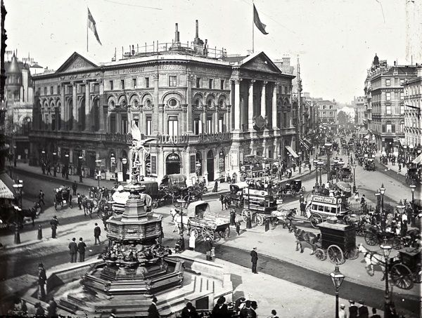 Piccadilly Circus, c. 1900