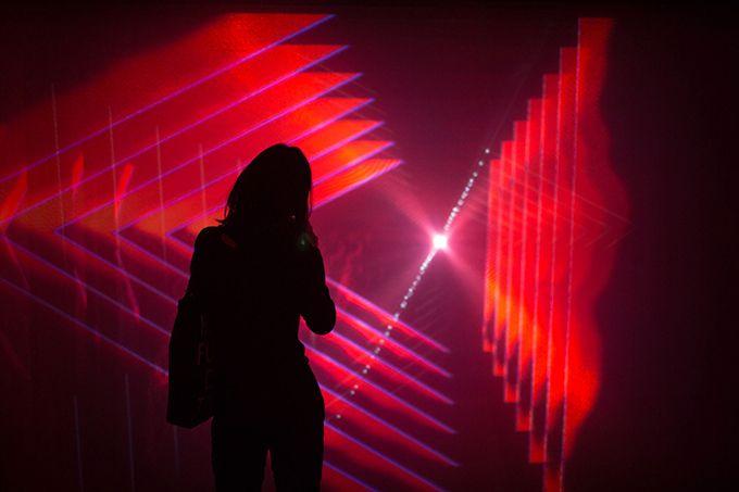 見て食べる体験型デジタルアート「食神さまの不思議なレストラン」展が、東京・日本橋茅場町で開催される。会期は、2017年1月28日(土)から5月21日(日)まで。(c)2017 Fumihito Kat...
