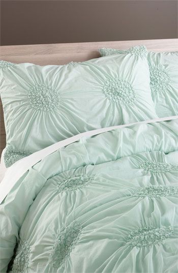 lovely mint bedding. yes, please!