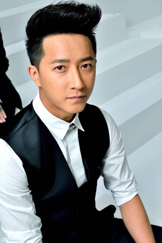 Hangeng comments on his recent hangout with Heechul + his thoughts on the possibility of starring in a production with Super Junior | http://www.allkpop.com/article/2014/08/hangeng-comments-on-his-recent-hangout-with-heechul-his-thoughts-on-possibility-of-a-production-with-super-junior