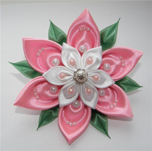 Kanzashi tutorial tutorials and kanzashi flowers on pinterest - 1000 Ideas About Kanzashi Flowers On Pinterest Fabric